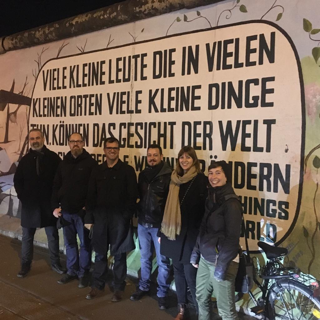 AMEDY Projektkonsortium vor der East Side Gallery in Berlin